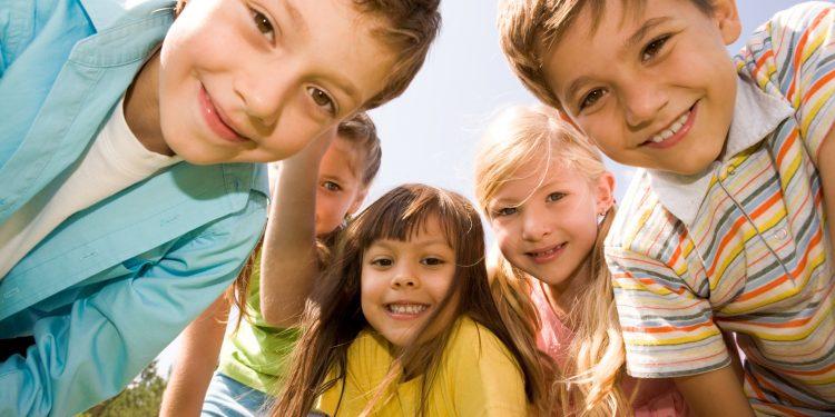 რაში ეხმარება წარმოსახვითი მეგობრების გამოგონება ბავშვებს?