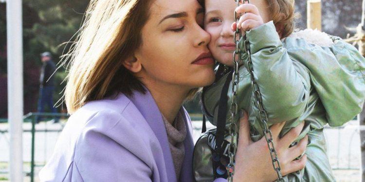 """""""არჩევანი რომ მქონოდა, ვიცი შენ აგირჩევდი, რადგან სამყაროში ვერავინ შეძლებდა ჩემთვის დედობის უკეთ გაწევას"""" შიკ ბებეს კონკურსში გზავნილი დედას.."""