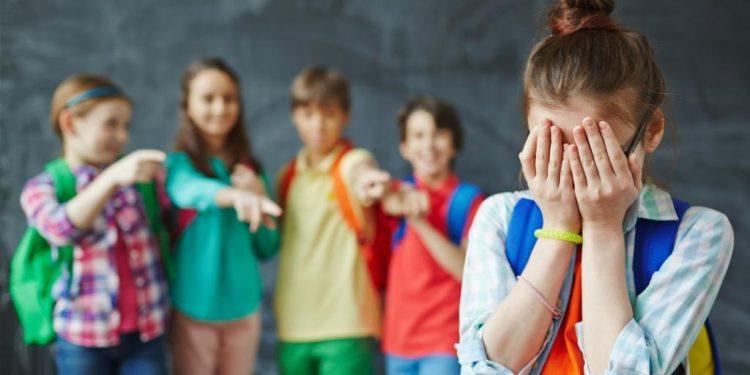 რა უნდა ჩაუნერგოთ ბავშვს თანატოლებმა რომ არ დაჩაგროს? მთავარი წესები!