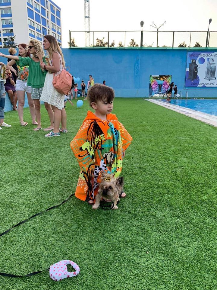 პირველი პროფესიონალური საბავშვო დეფილე მოდური ბრენდისგან, TUC TUC-ის წვეულება სპორტ თაიმის ღია აუზზე გუშინ გაიმართა...