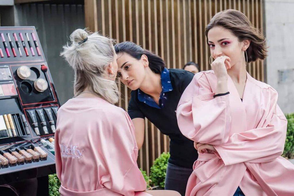 2019 წლის მოდური მაკიაჟი მსოფლიო ბრენდ DELFY-ისგან და რჩევები ორსულებისთვის ზაფხულში თავის მოვლის შესახებ...