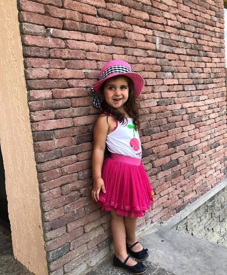 """გვანცა დარასელია ლილეს ახალ ფოტოებს აქვეყნებს """"2 წლის ადამიანი TUC TUC-ში შოპინგით ბედნიერდება"""""""