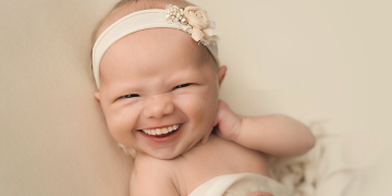 ფოტოგრაფმა ბავშვების ფოტოებს ღიმილი დაუმატა და იმდენად სასაცილო გახდა, სრულიად სოციალურმა ქსელმა აიტაცა...