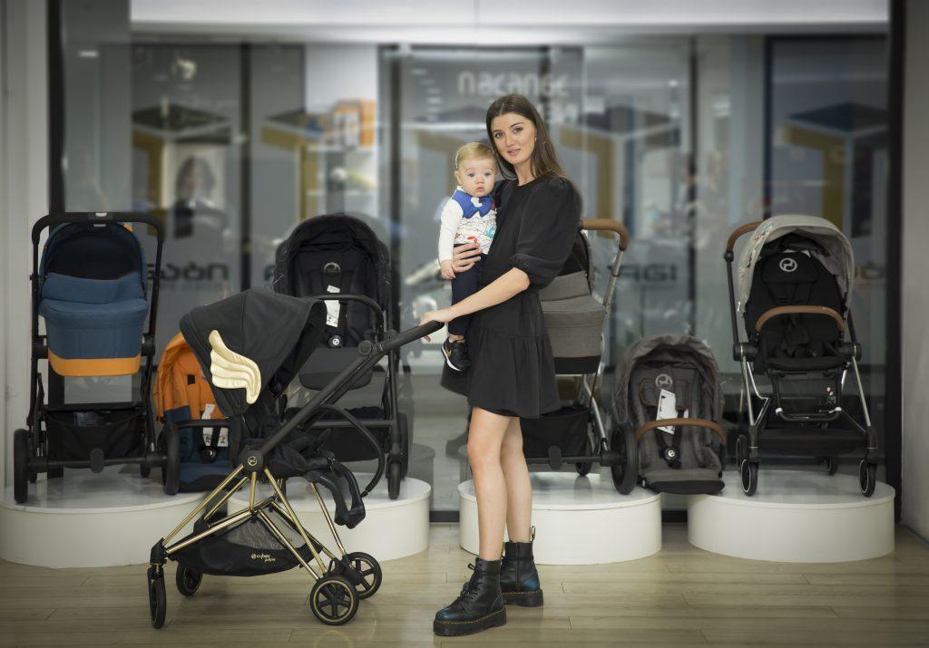 """რას უყვება დედებს ბლოგერი """"სითის"""" ახალ ნომერში?  სტუმრად მსოფლიო ბრენდ CYBEX-ის შოურუმში..."""