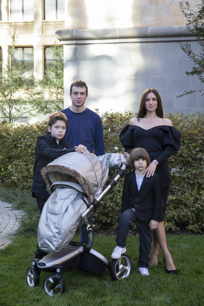 ნუცა ხიდირბეგიშვილი შვილებთან ერთად - მსოფლიო ბრენდ MIMA-ს საერთაშორისო ფოტოსესიაში.